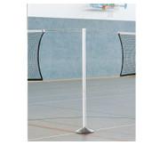 Stützpfeiler für Volleyballnetze bei Mehrfach-Spielfeldern