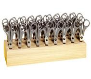 Mit 27 spitzen Bastelscheren im Scherenblock