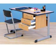 Lehrertisch: C-Fuss, Blende, abschliessbares 3er-Fach