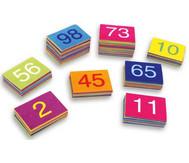 100 farbenfrohe Teppich-Fliesen