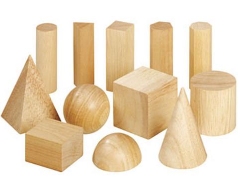 12 Geometriekoerper aus Holz